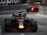 Monaco Grand Prix: Daniel Ricciardo wins despite car problem