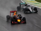 Verstappen leads nominations for FIA action of the year