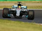 Hamilton wins the Japanese GP to close on F1 title, Vettel retires