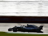 Lewis Hamilton: Mercedes getting caught in Melbourne 'exciting'