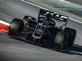Haas to roll out 'hybrid' spec VF-19 in Russia
