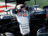 Hamilton digs deep to take Austin pole