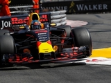 Ricciardo critical of 'pretty obvious errors'