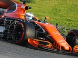 Early Honda problem interrupts McLaren's first day of F1 testing