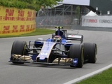 Troubles for Wehrlein as updated rear wing fails in practice