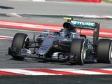 Rosberg moves ahead in second Spain session