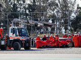 Sainz tops morning session as Vettel crashes out
