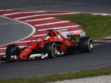 "Mercedes duo admit Ferrari is ""looking good"""