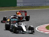 Foolish to write Hamilton off in F1 title battle - Red Bull boss