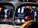 Kvyat calls for driver vote over halo device
