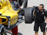 Jolyon Palmer's Friday F1 tyre failure 'case closed' by Pirelli