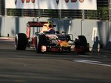 Verstappen benefiting with new Renault engine in Singapore