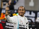 "Mercedes F1 boss ""totally okay"" if Hamilton has talks with Ferrari"