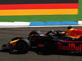Ricciardo sets opening pace at Hockenheim