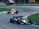 Lauda takes championship lead with maiden home victory