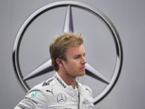 Hamilton turns up the heat on Rosberg