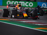 Wolff: Red Bull's early pit stop was 'very courageous'