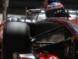 McLaren to debut in Jerez after passing crash test