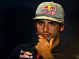 Sainz: Engine delay hurting 2016 design