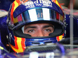 Renault confirms Sainz as 2018 racing driver