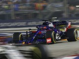Kvyat slams Raikkonen for Singapore crash that put Alfa F1 star out