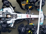 Mercedes chief 'aligned' with Ferrari