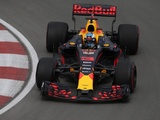 Ricciardo looks to Verstappen to raise spirits on tough day