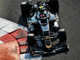 Magnussen: Haas panicked after Bahrain slump