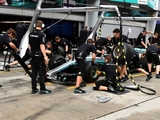 Mercedes clinches 2017 DHL pit stop award