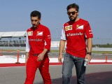 Alonso's hopes of third title hinge on 2015 deal