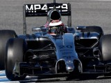 Magnussen sets pace on penultimate day