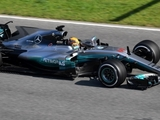 Mercedes debuts 'shark fin' during testing