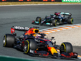 Mercedes say why third Hamilton stop was ruled out