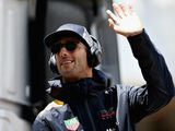 Ricciardo happy to wait until 'after summer'