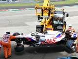 Schumacher takes gearbox penalty after FP3 smash