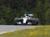 Mercedes wary of Ferrari pace