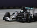 FP2: Hamilton pips Alonso to lead second practice
