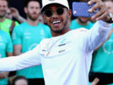 Lewis plans to sign new Merc deal