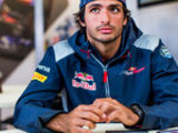 Sainz joins Renault for 2018