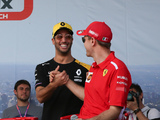 Ricciardo hoping to get a helmet from Vettel