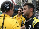 Ricciardo: Renault 'handed everyone else positions'