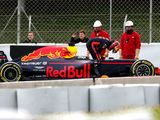 Max Verstappen unfazed by Renault issues