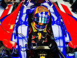 Sainz seeking team equality