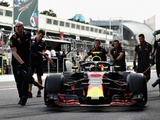 Verstappen 'waiting in the garage too long'