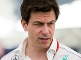 Mercedes undone by 'cracked fibre optic cable'