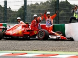 Raikkonen set for gearbox penalty after crash