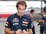 Vergne eyes 2016 Ferrari race seat
