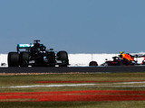 Hamilton continues to set Silverstone pace