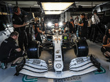 Qualy: Hamilton takes pole as Ferrari implode