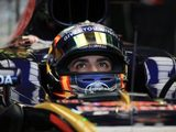 Sainz joins Wall of Champions Hall of Fame after Q2 crash